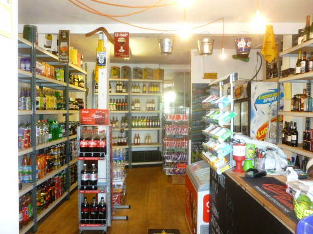Off Licence in Clapham For Sale
