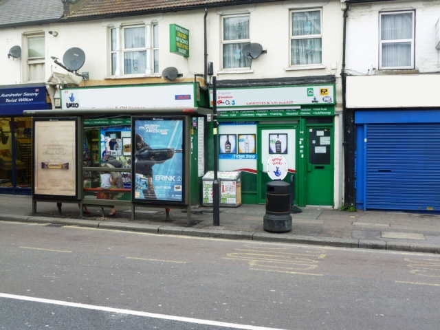 Photo 1 : Convenience Stores in East London
