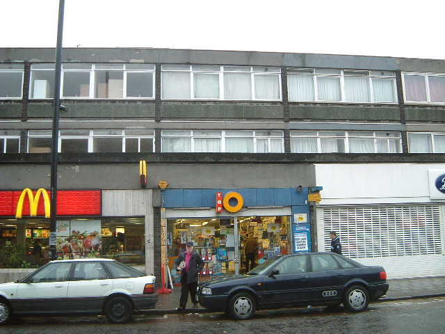 Modern Pound Shop in East London For Sale