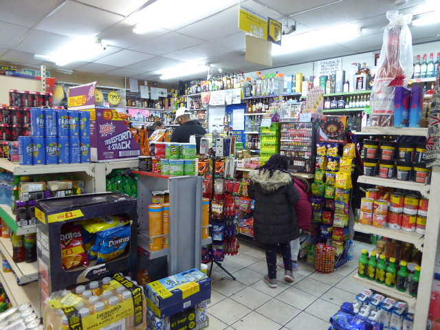 Convenience Store in Holloway For Sale