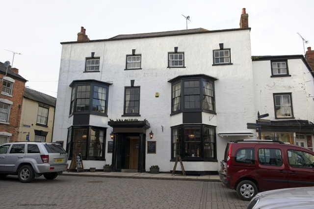 Pub and Hotel in Herefordshire For Sale