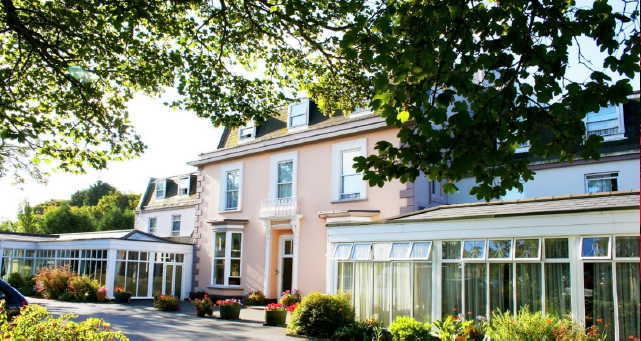 Hotel with Swimming Pool - Guernsey in Isle of Wight for sale