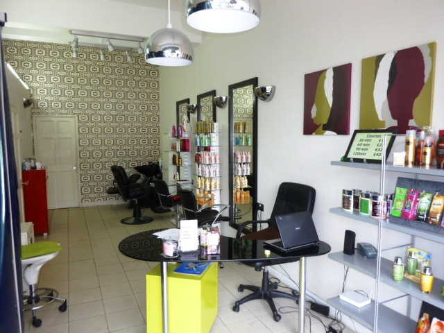 Well Established Unisex Hairdressing Salon Plus Beauty Salon and Tanning for sale in Greenwich for sale