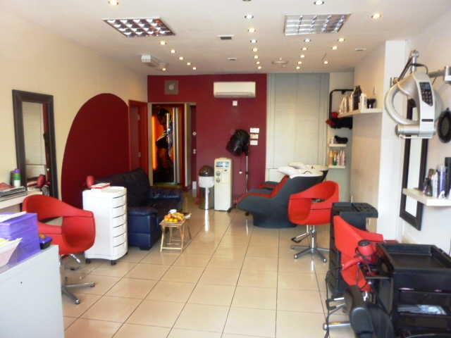 Well Fitted Unisex Hairdressing Salon Plus Beauty Room for sale in Hanwell for sale
