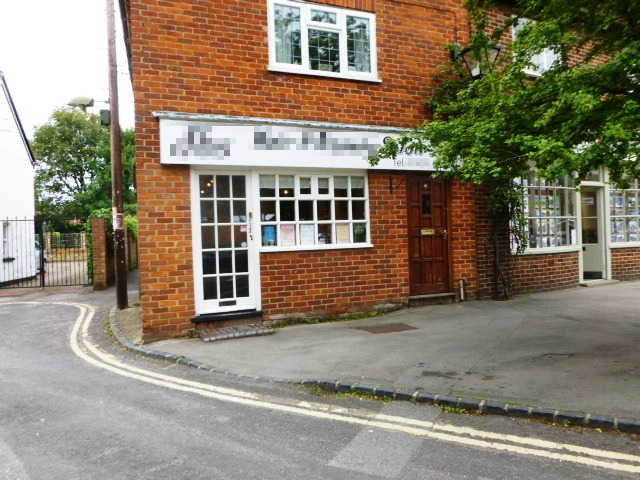 Well Established Unisex Hairdressing / Beauty Salon, Oxfordshire for sale