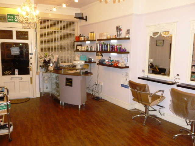 Hairdressers Salon plus Beauty Salon for Sale in Hertfordshire