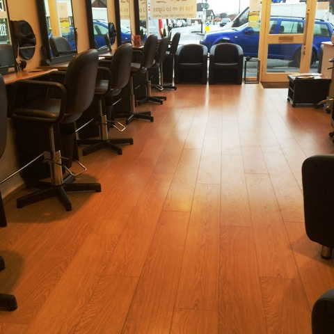 Unisex Hairdressing Salon, Mill Hill region in Middlesex For Sale