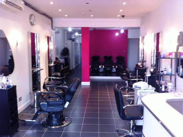 Unisex Hairdressing Salon Plus Beauty Salon**reduced For Quick Sale To Only �10,000 Inclusive of Stock**, North London for sale