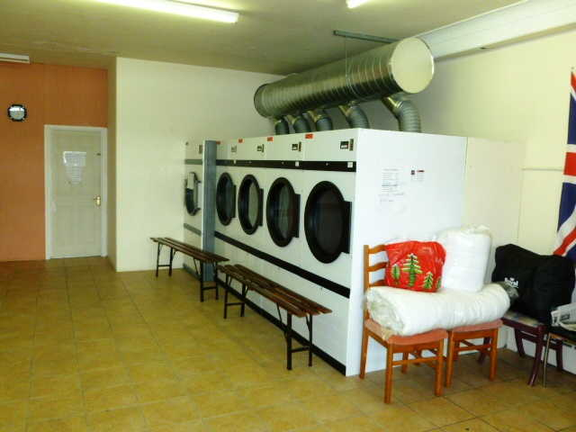 Launderette and Dry Cleaning Receiving shop in Beckenham For Sale