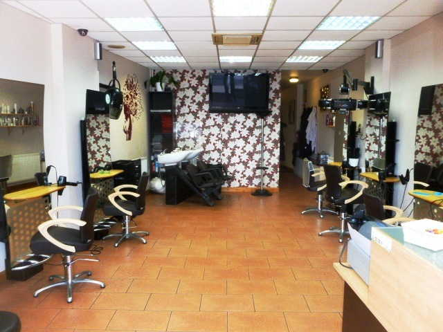 Hairdressers and Beauty Salon in Shepperton For Sale