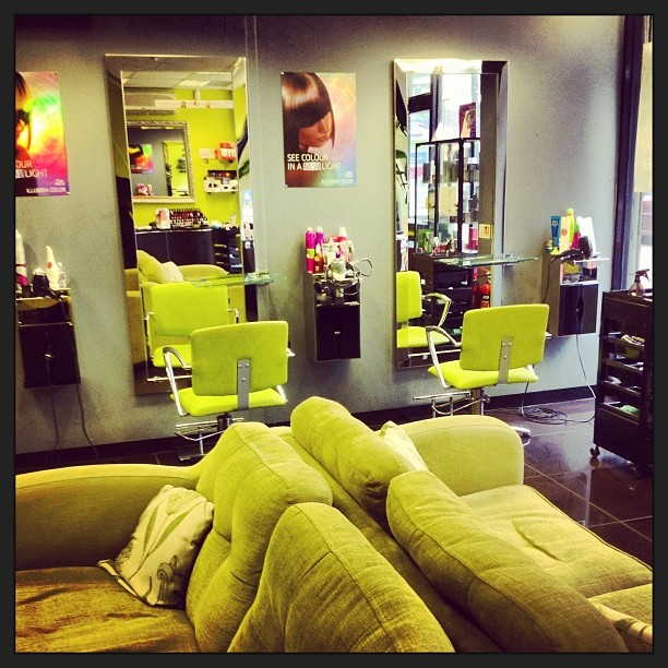 Well Equipped Unisex Hairdressing Salon Plus Beauty Salon, Surrey For Sale