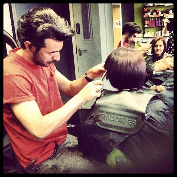 Hairdressers and Beauty Salon in Croydon For Sale