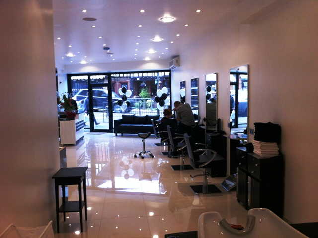 Well Fitted Unisex Hairdressing Salon for sale in Godstone for sale