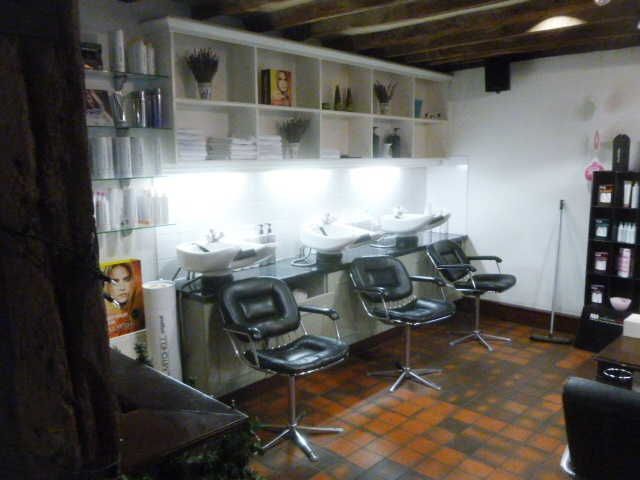 Hairdressing Salon in Farnham For Sale