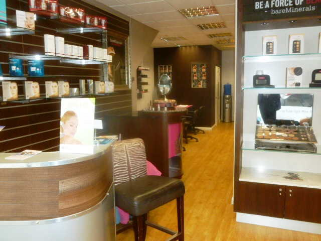 Superbly Fitted Beauty Salon for sale in Woodford, East London for sale