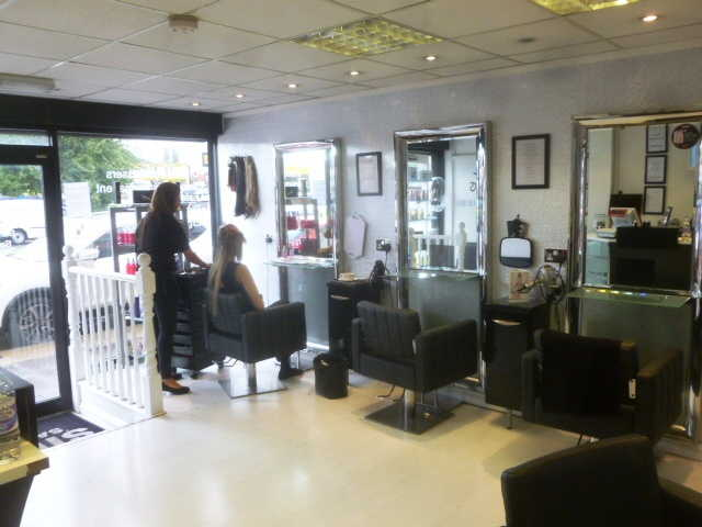 Well Fitted Unisex Hairdressing / Beauty Salon for sale in Kent for sale