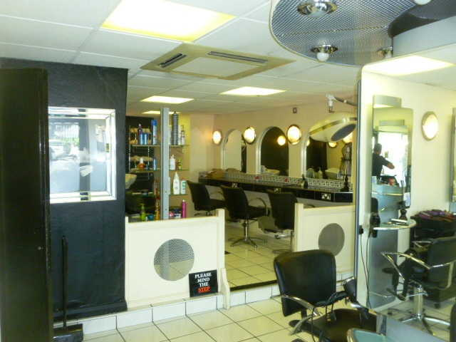 Sell a Unisex Hairdressing Salon in Bagshot