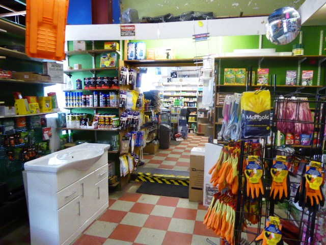 Hardware Store and Discount Store in Selhurst For Sale
