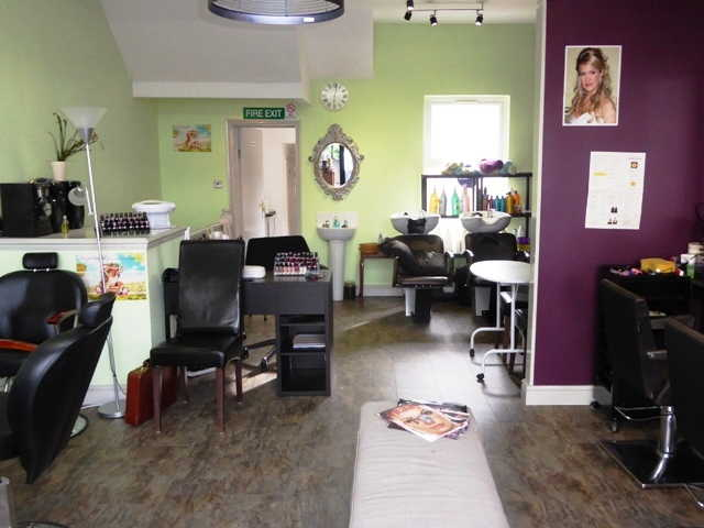 Ladies Hair and Beauty Salon in Thornton Heath For Sale