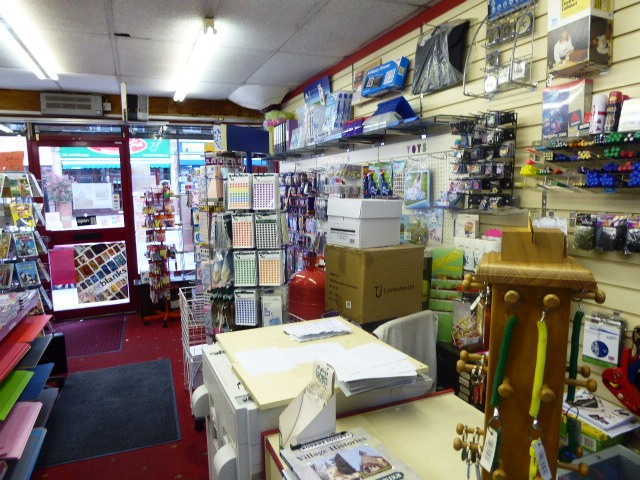 Empty Shop in Coulsdon For Sale