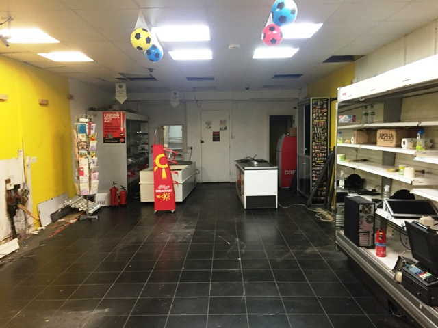 Catering Premises & Empty Shop in Eltham For Sale
