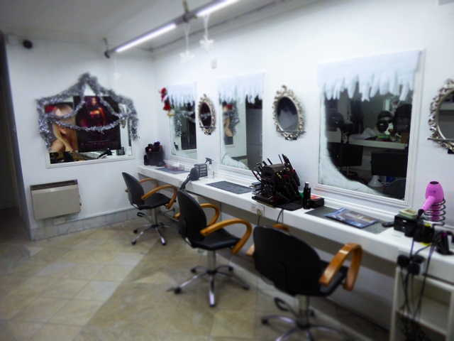 Barber Shop in Croydon For Sale
