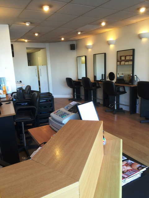Freehold Hairdressing Salon in North London For Sale