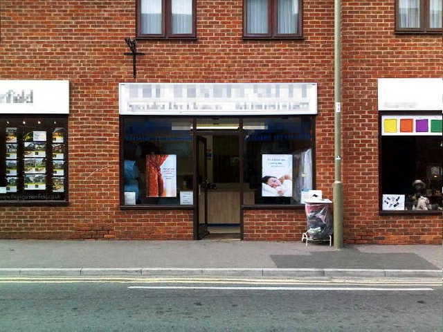 Dry Cleaners & Receiving Shop in Wallingford for sale