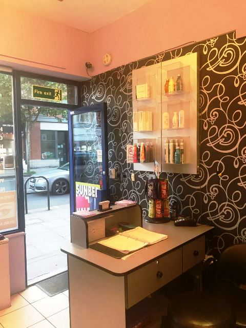 Hairdressing and Beauty Salon in Fulham For Sale for Sale