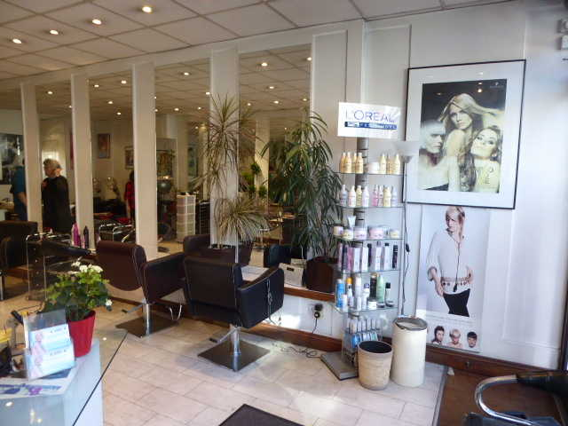 Hairdressing and Beauty Salon in North London For Sale