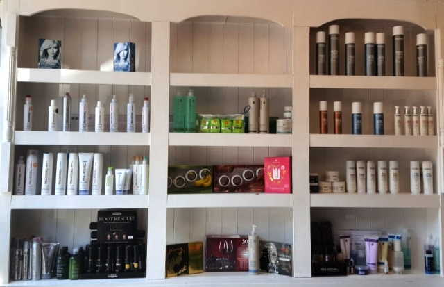 Hairdressing & Beauty Salon in Bedfordshire For Sale