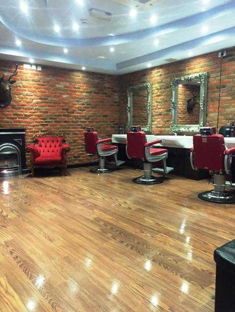 Barber Shop in North London For Sale