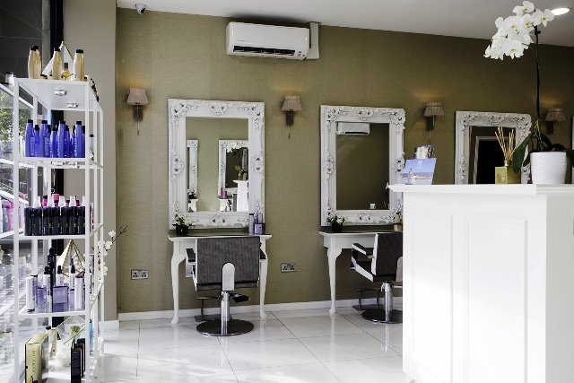 Haird Salon with 2 Beauty Rooms in Hammersmith For Sale