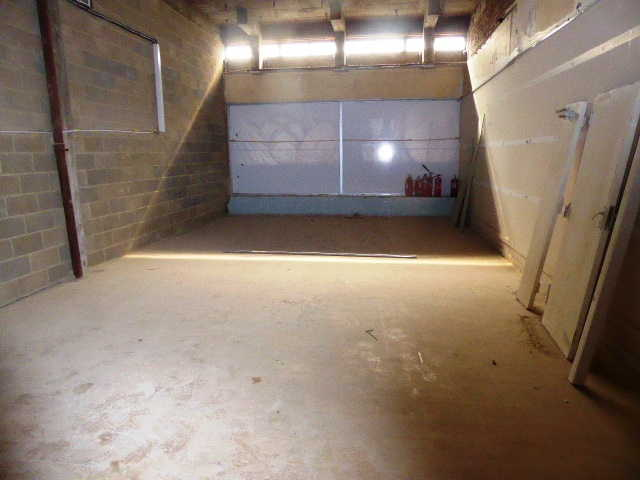 Spacious Retail Shop in Hertfordshire For Sale