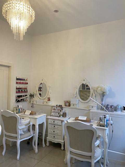 Sell a Well Equipped Beauty Salon in Hertfordshire For Sale