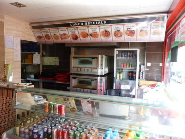 Busy Fast Food Restaurant, Takeaway plus Pizza Delivery for Sale in Berkshire