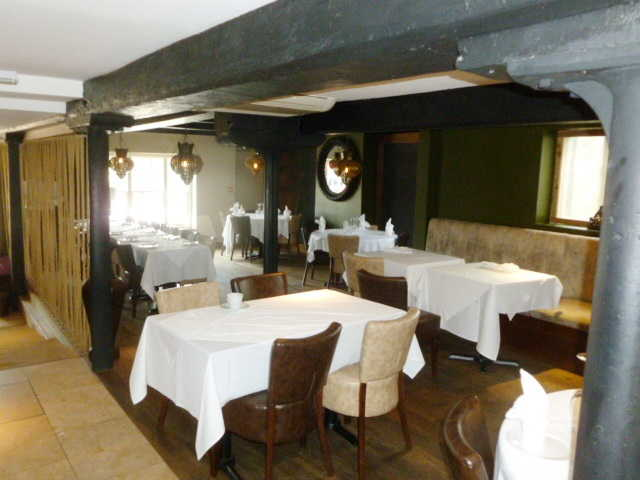 Attractive and Supberly Fitted Spacious Licensed Restaurant for sale in Uxbridge for sale
