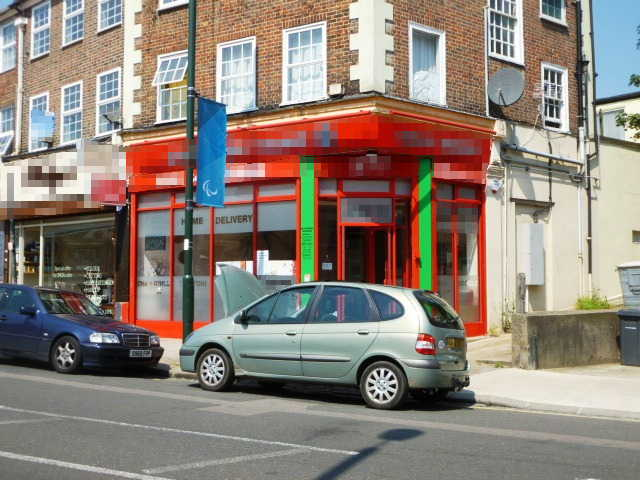 Spacious Well Fitted Chinese and oriental Hot Food Takeaway and Delivery Plus Restaurant Area(Full On and off Licence For The Sale of Wines, Beers and Spirits) in Hertfordshire for sale