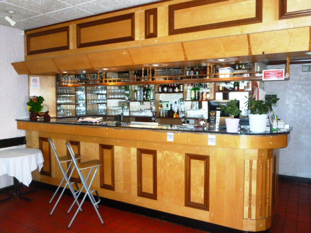 Spacious Well Established Licensed Restaurant, Middlesex for sale