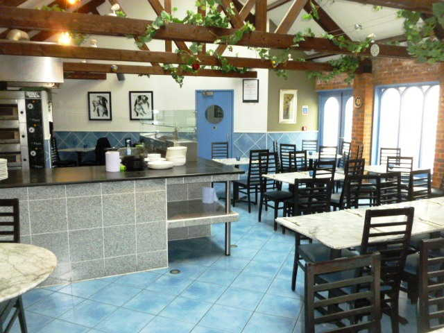 Lucrative Fast Food Restaurant, Restaurant plus Takeaway for Sale in Buckinghamshire
