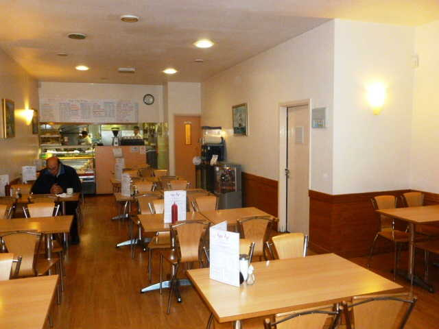 Cafe Restaurant in Waltham Cross For Sale