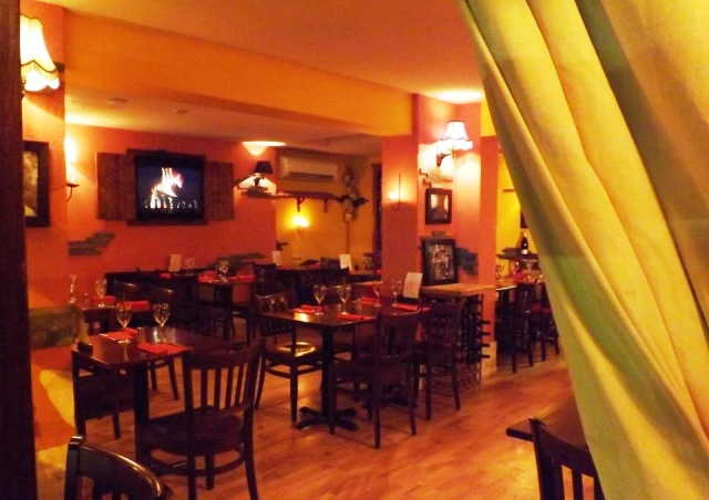 Superbly Fitted Licensed Italian Restaurant for sale in Feltham for sale