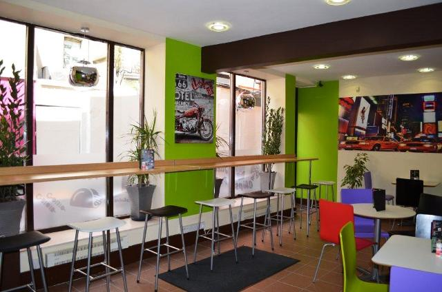 Fully Equipped Takeaway Kebabs for sale in South Wales for sale