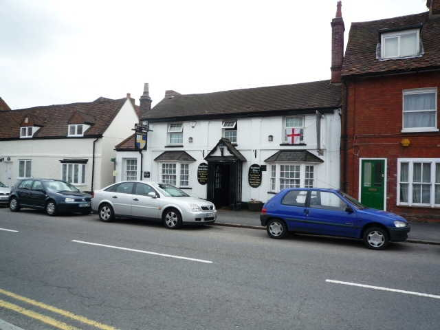 Most Attractive Olde Worlde Semi-detached Licensed Indian Restaurant and Freehouse, Buckinghamshire For Sale