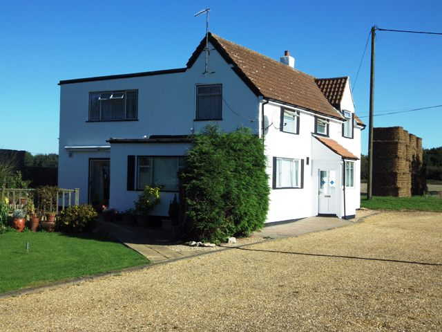 Most Attractive and Appealing Detached Freehold Fully Licensed Free House and Restaurant, Cambridgeshire For Sale