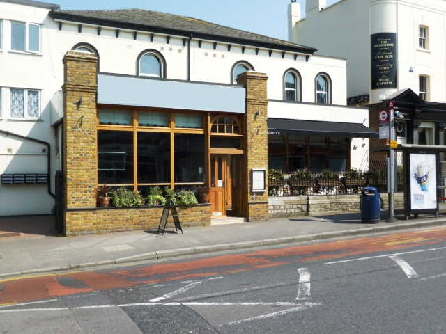 Well Fitted and Spacious Licensed Restaurant and Bar in Surrey for sale