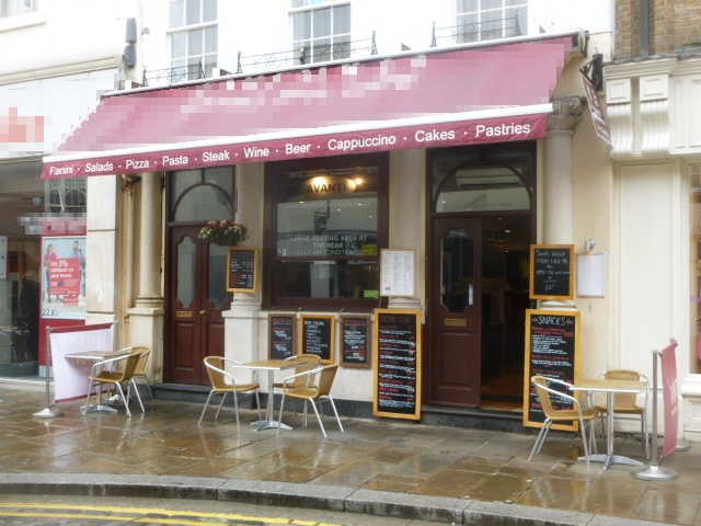 Most Attractive and Spacious Licensed Bistro Restaurant, Berkshire for sale