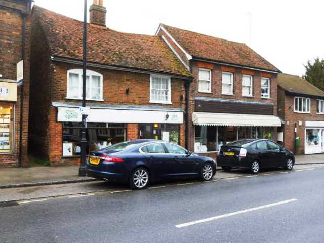Spacious Well Fitted Licensed Restaurant, Buckinghamshire For Sale