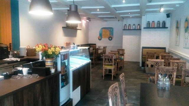Spacious Well Established Licensed Italian Restaurant Asking Price For The Lease, Goodwill, Fixtures and Fittings �77,500 Plus Stock At Valuation for sale in Willesden for sale