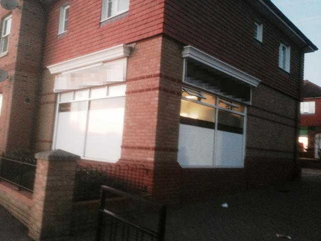 Fully Equipped Indian Hot Food Takeaway and Delivery with A3 / A5 Monopoly, Kent For Sale